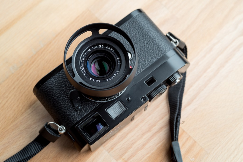 TvO lens shade on Leica M9P