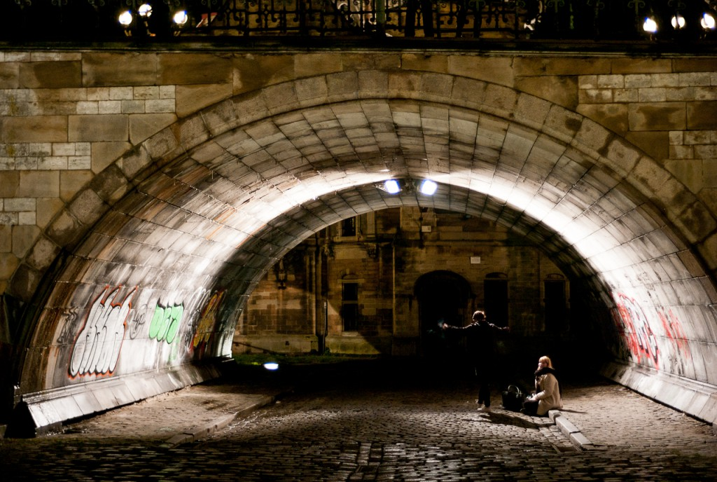 With the Nokton 40/1.4, shooting in the dark is perfectly possible.