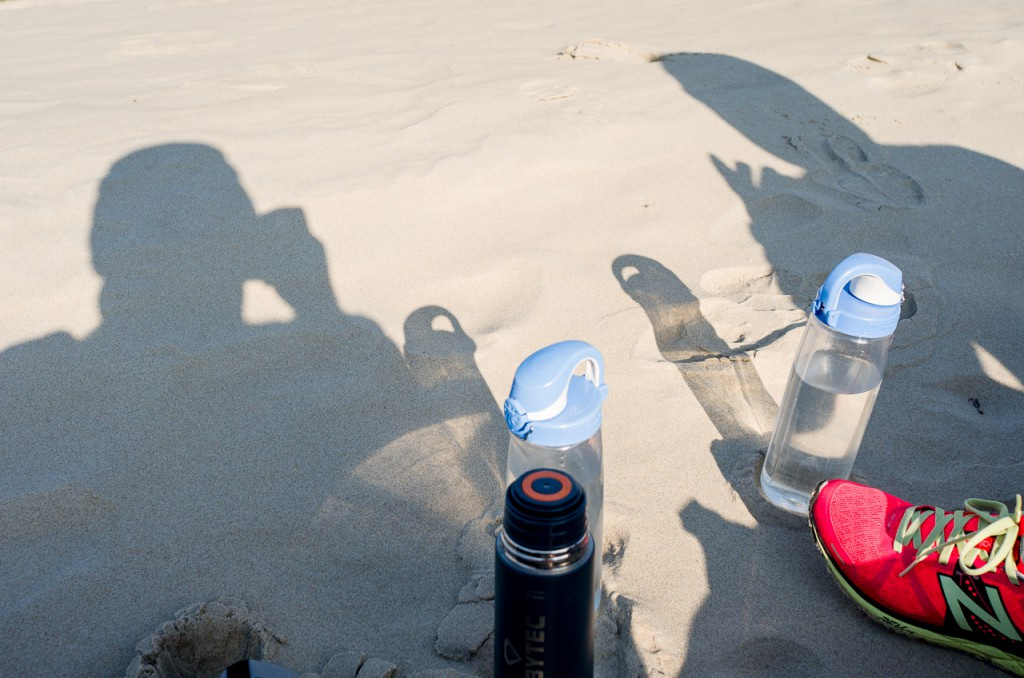 I once ruined a Canon 70-200 lens on a beach. With the X-U sand is no problem at all.