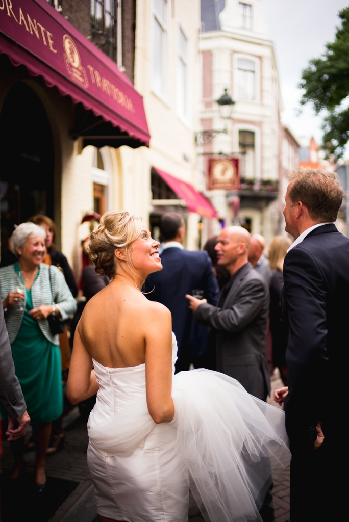 But also in good light, the CV 35/1.2 is worth using. Beautiful rendering here on this wedding.