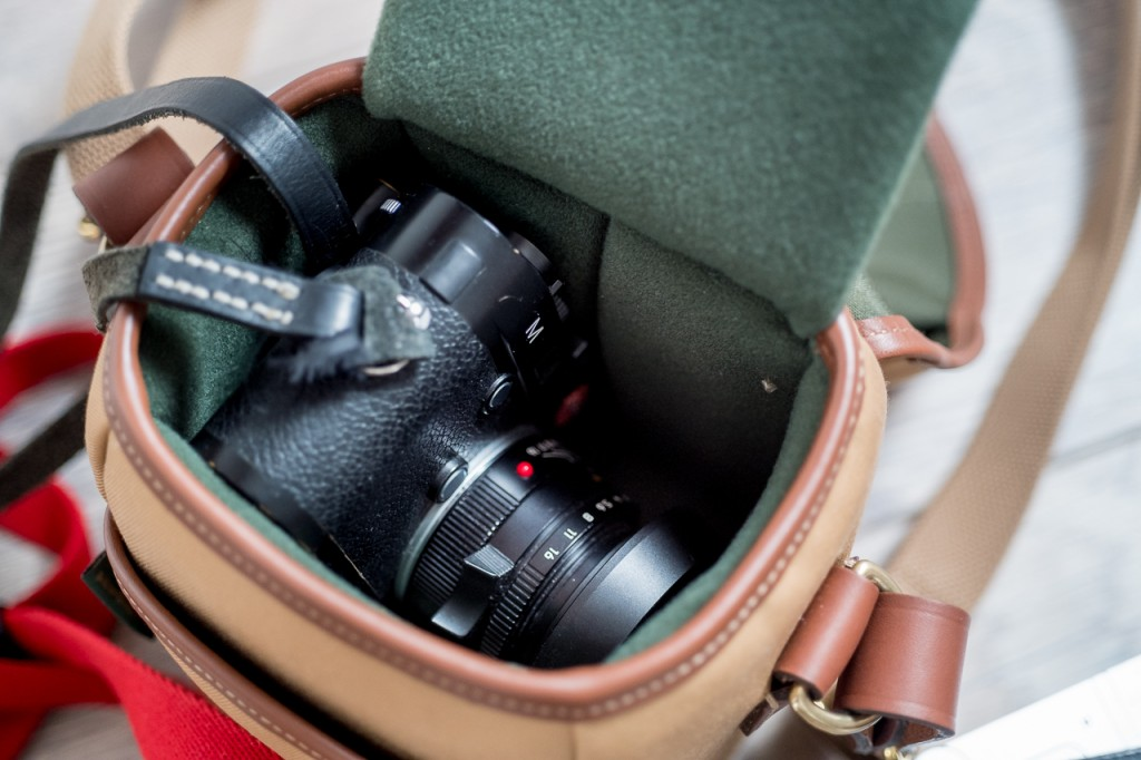 The M with 35 Summicron plus TvO lens shade fits easily.